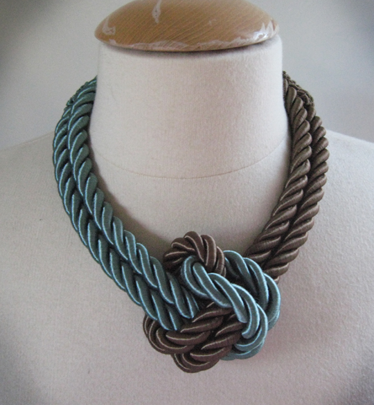 Diy do it yourself revealed to this spectacular rope necklace solutioingenieria Image collections