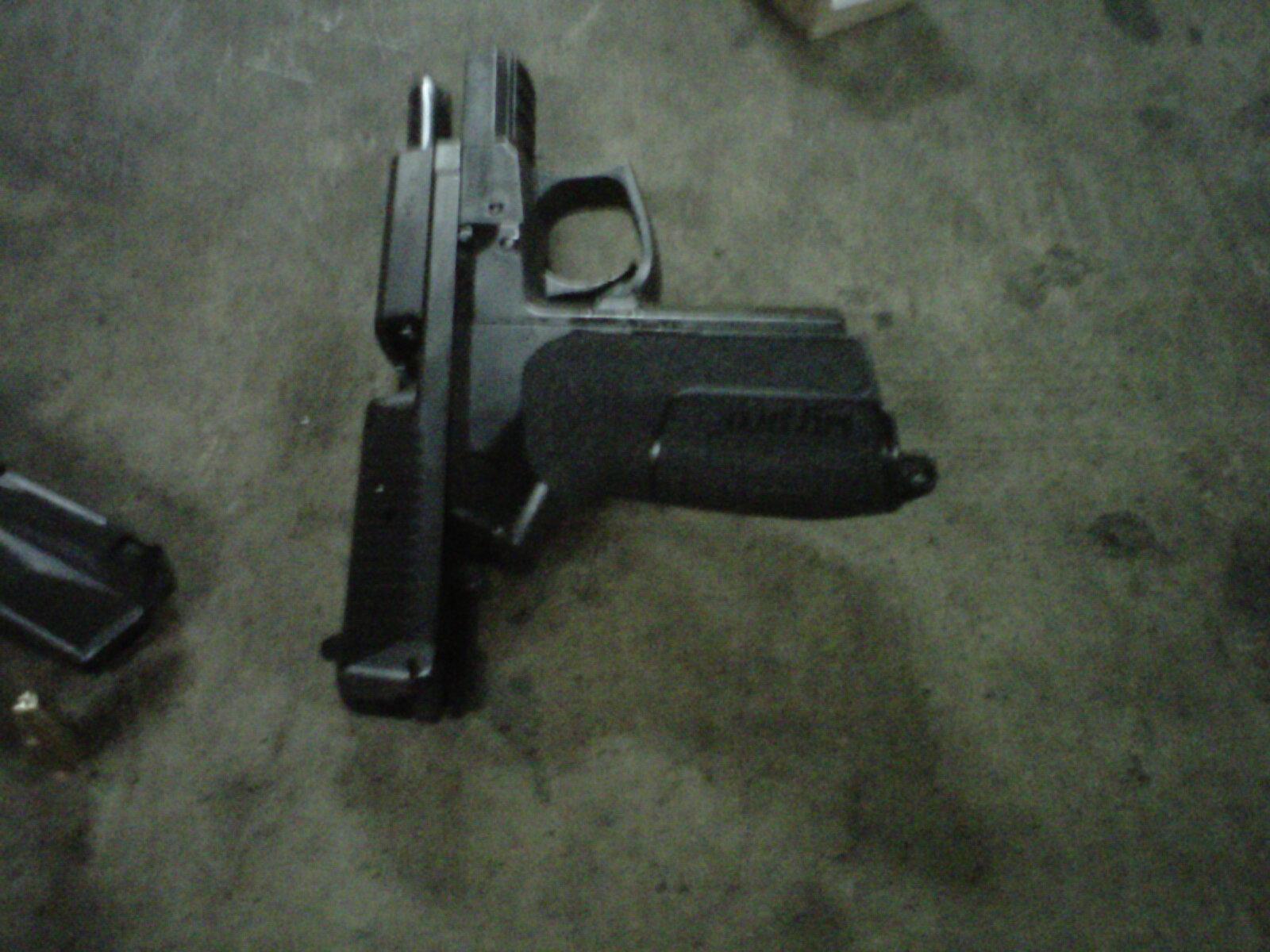 Gun Shooting Bullet Gi...