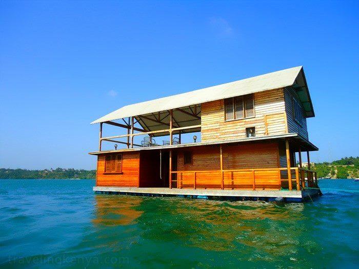 floating-house-zuru-kenya